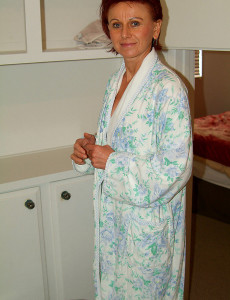Redheaded  Mom with a Wooly  Twat Leaves Her Bathrobe Undone
