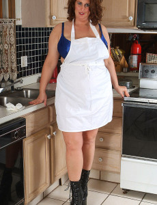 Fat and  Big Breasted Dusty Pulls Aside Her Apron and Shows Hefty Knockers