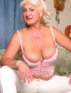 Cougar with Big Plump Titties Speads Her  Older  Cunt for Us