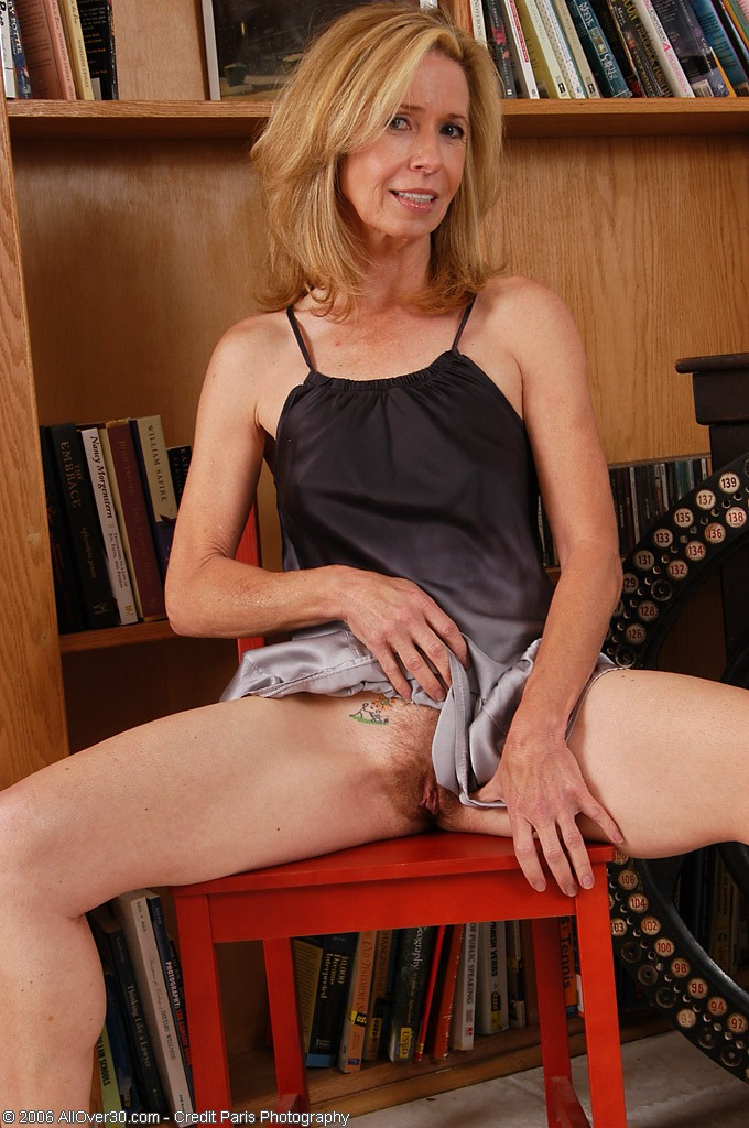 Mature Women Over 40 Nude