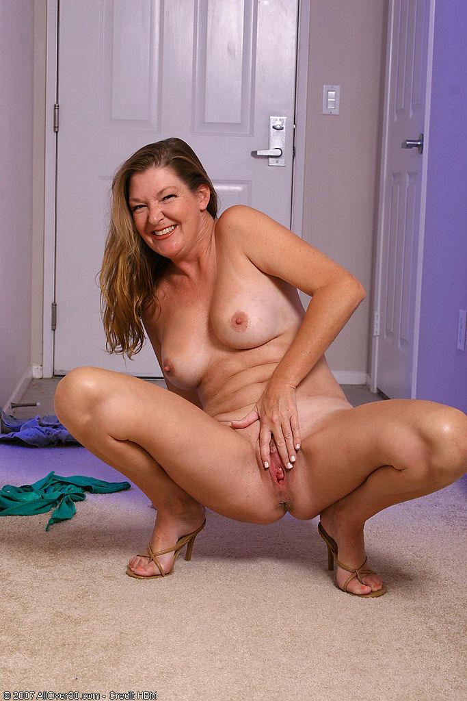 chubby girls stripping