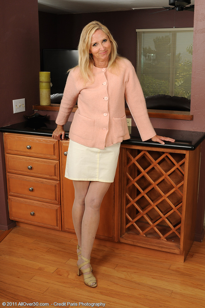 At 55 Years Old  Alluring and Elegant Annabelle Looks Amazingly Hot