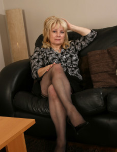 50 Year Old Cindy  Likes to Finger Her  Older  Beaver when She Can