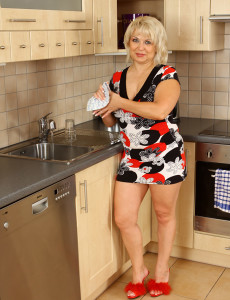 Hot 50 Year Old Czech Granny Shows off Her Kitchen Abilities Bare