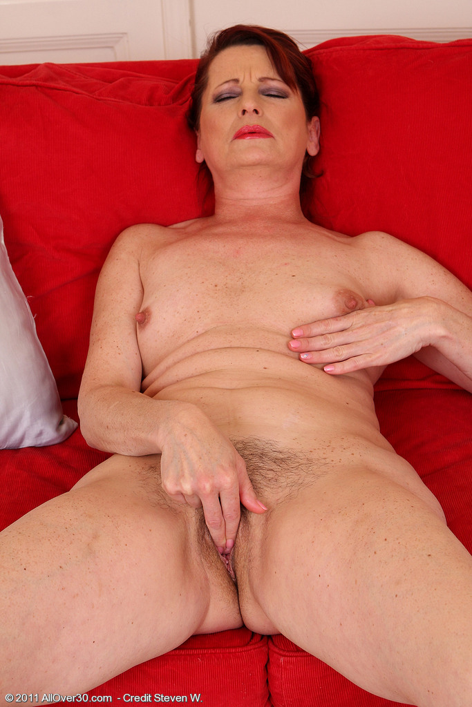 Naked milf with pubic hair