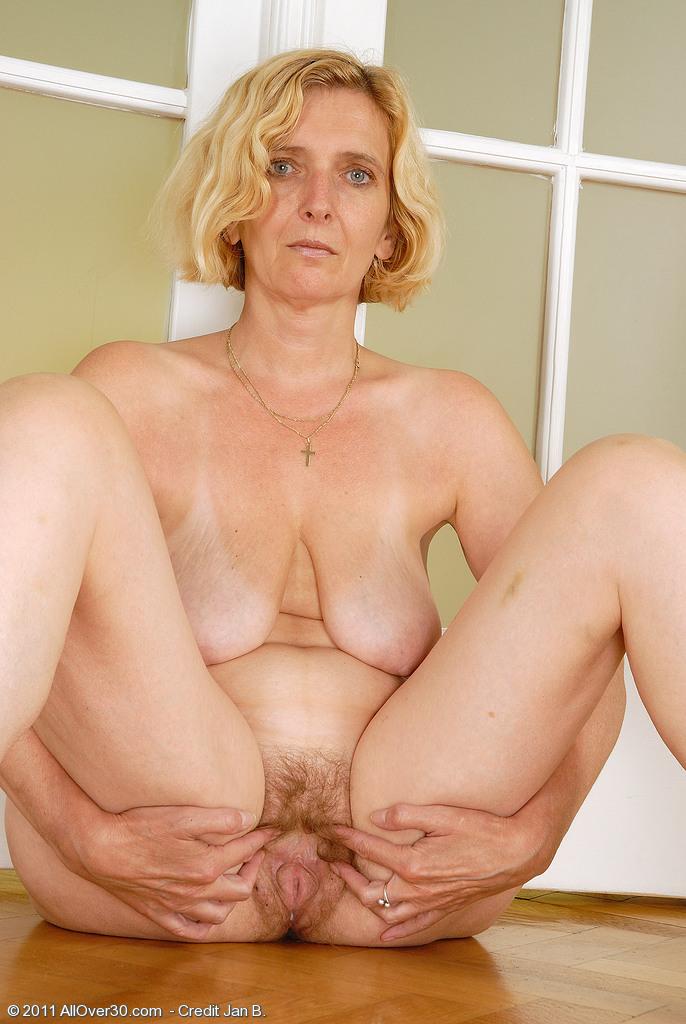 Фото голых писек старых женщин 93447 фотография