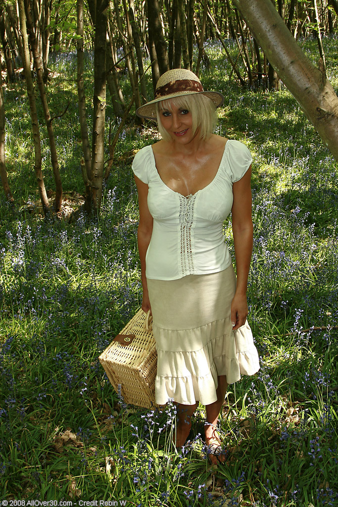 Gorgeous  Blond Haired  Cougar Plays with Her  Twat After Picnicing