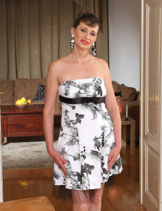 Elegant and  Older Babe Juditta Shows off a Beautiful 50 Year Old Assets