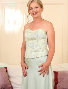 Elegant and  Hot 62 Year Old Nelli from  Milfs30 Strutting Her Stuff