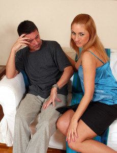 Gorgeous 31 Year Old Roxy Settles Her  Older Babe  Hoo Ha on Hard Staff