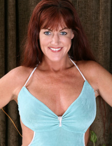 Redheaded  Cougar Shauna Shows off Her Stiff  Rump in These Pics
