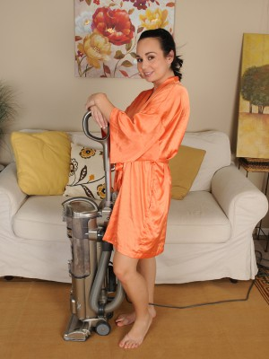 Gorgeous  Wifey Holly West Violates from Housework to Spread
