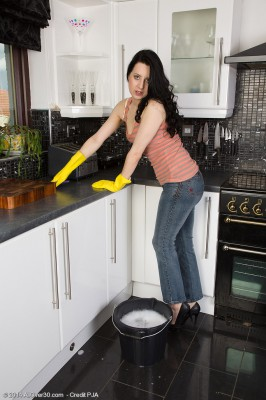 Brown Haired  Wife Honesty Gets Herself All Raw in the Her Kitchen