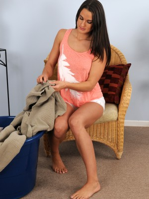 Beautiful Older Misty Anderson Stetching out Her Tanned Defined Boday