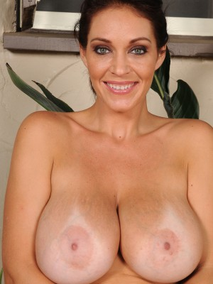 Beautiful 36 Year Old Charlee Chase Praticing Some Naked Spreads