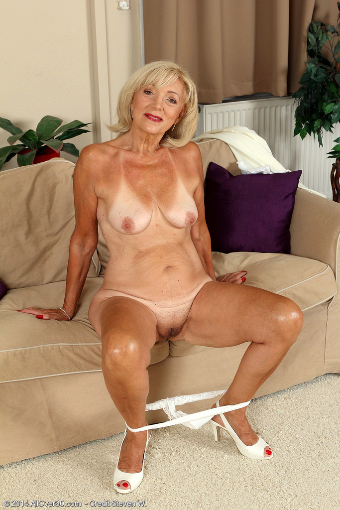Granny Naked Gallery 23
