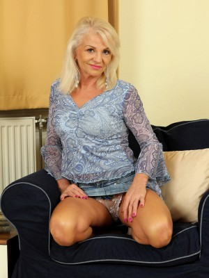 47 Year Old Inez Shows off Her  Hot  Older Babe Bod Inside the Livingroom