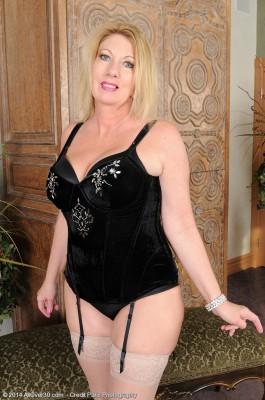 Sexy 53 Year Old Summer Sands Slides off Her Slinky Ebony Undies