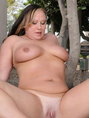Heavy set mature women
