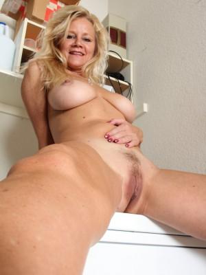 Nude Older Females 73
