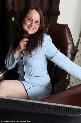 30 Year Old Office Milfbelle Star  Opens Her Gams Wide Inside the Library