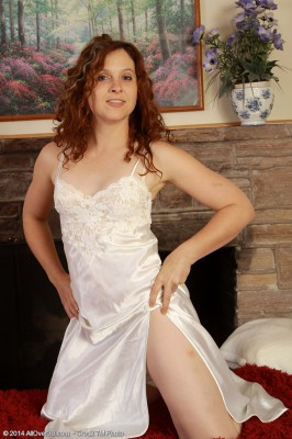 37 Year Old Fiona from  Milfs30 Glides from Her White Undies Here