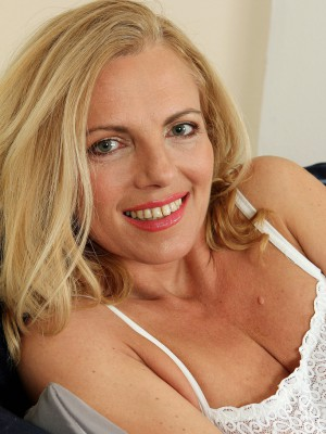 Blond Haired 47 Yr Old Bombshell Britney Squatting While You're Seeing Couch