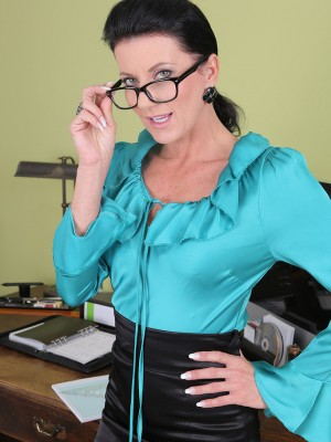 Beautiful 32 Yr Old Steno Olivia Stretches Her  Hoo Ha Open on Desk
