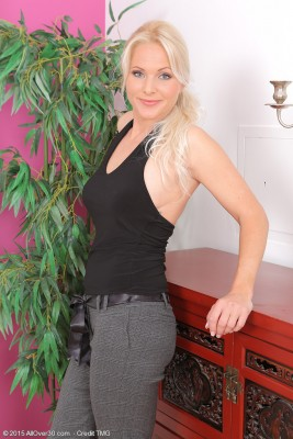 Elegant  Blond Haired 36 Yr Old Marlene from  Milfs30 Opens Her Gams Here
