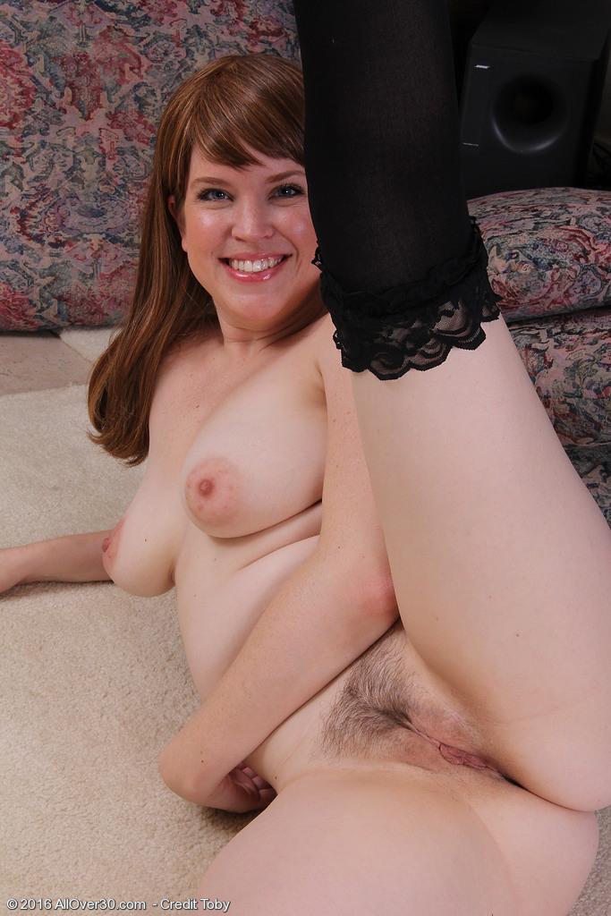 Amazing, gorgeous girl shows tits hott!&nbsp