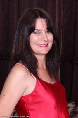 Splendid Sherry Lee Glides Far from the Woman Nightie
