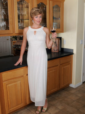 Elegant  Sexy Liz Sophia Spurts Her Gown