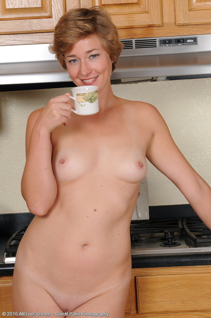 nude milfs having coffee