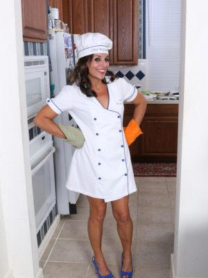 Nicole Newby Baking Hot