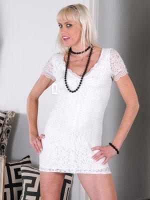 Leggy  Blond Milf Angelique H