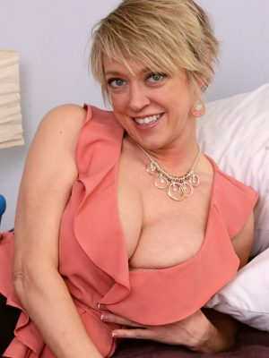 Dee Williams Big Tits Anal Toy