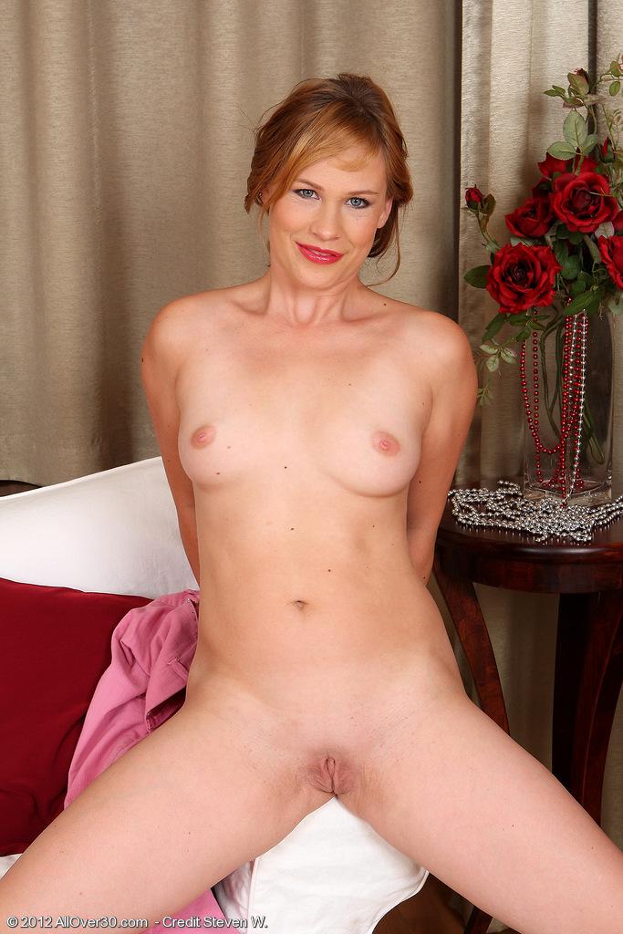 laura king nude